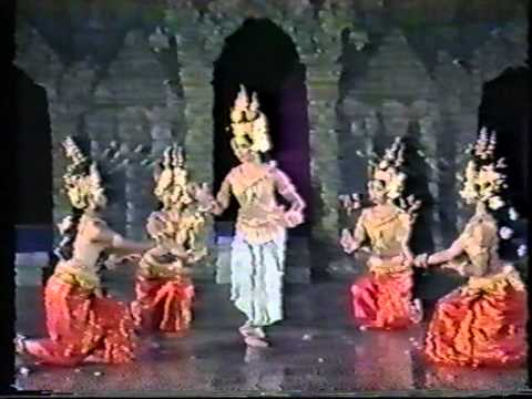 Cambodian Royal Ballet ApSaRa Dance 1986.mpg - YouTube | 480 x 360 jpeg 20kB