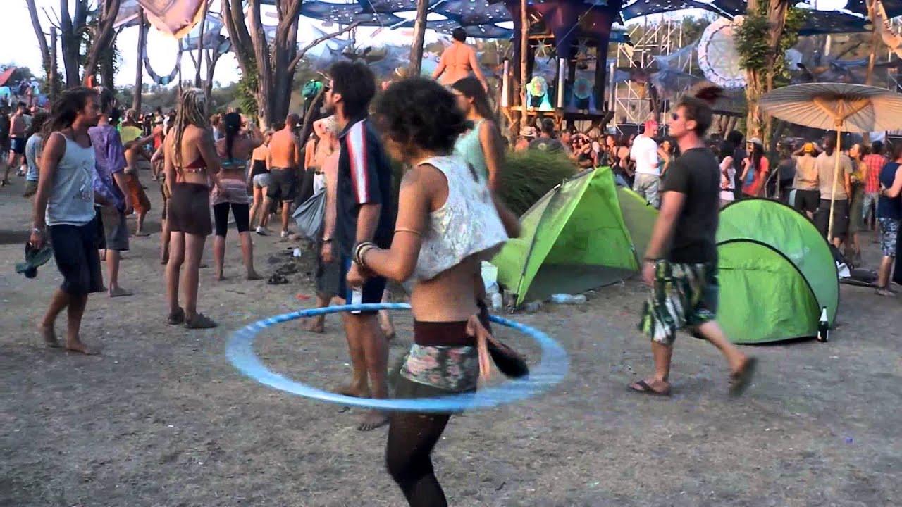 how to hula hoop dance
