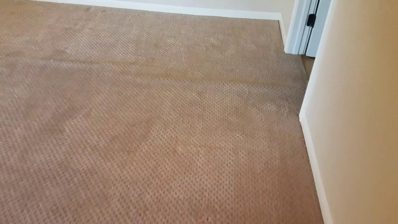 One room berber carpet stretching in Austin Texas. - YouTube