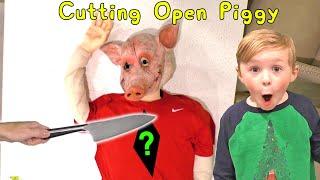 Baixar Cutting Open Roblox Piggy! What's Inside of Piggy?