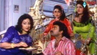 Chiranjeevi comedy @ Aunty Lakshmi..Alluda Mazaaka