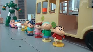 Crayon Shin Chan 10 Friends are on the kindergarten bus toys play video for kids