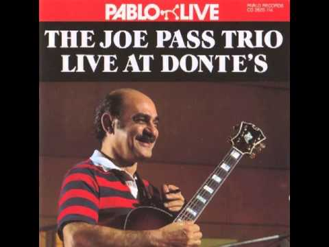 Joe Pass Trio - Stompin' At The Savoy (live)