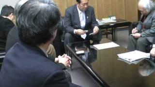 鳩山邦夫大臣へ東京中央郵便局保存の要望書を届ける