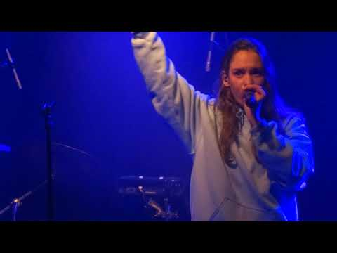 Anna of the North - The Dreamer - Live @ Reflektor - Pure like on stage