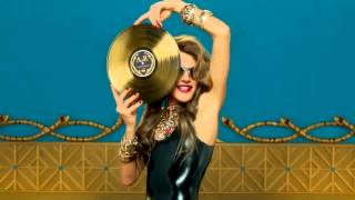 Anna Dello Russo and H&M Fashion Shower Accessories Collection - october 2012 Thumbnail