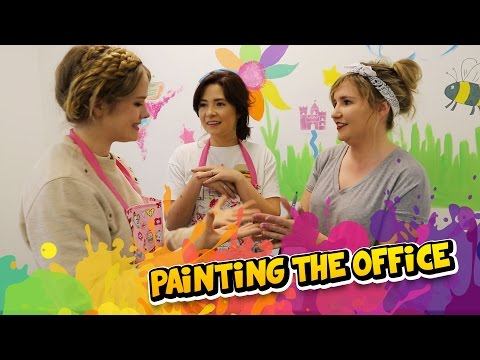 Kelly & Carly Vlogs : DECORATING THE VLOGGING ROOM!!