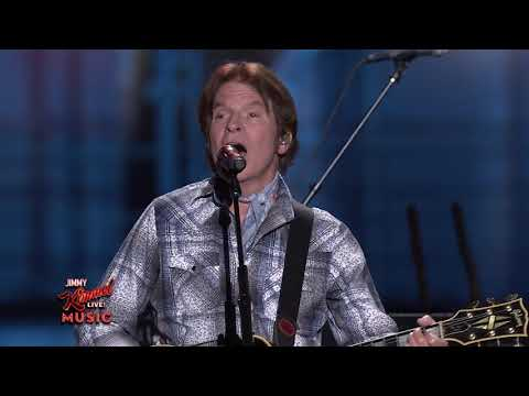 John Fogerty and Brad Paisley Peform Bad Moon Rising