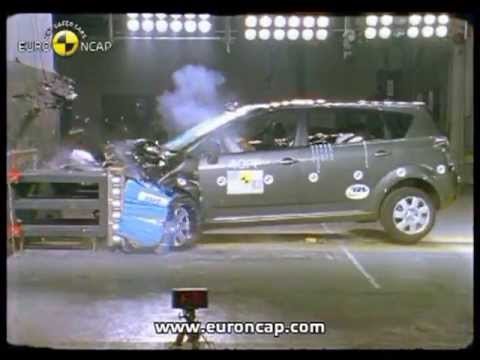 euro ncap toyota corolla verso 2004 crash test youtube. Black Bedroom Furniture Sets. Home Design Ideas