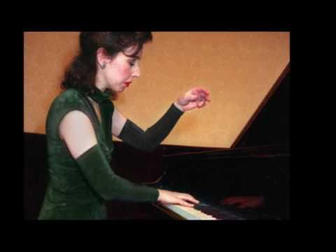 Angela Hewitt plays Bach (1985 Debut) - Italian Concerto in F major, BWV 971: 2. Andante