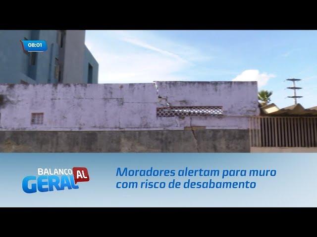 Moradores alertam para muro com risco de desabamento no bairro do Pinheiro