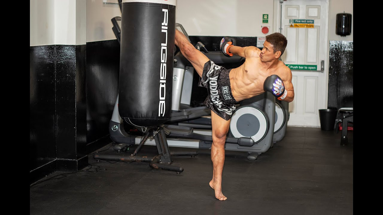 Traditional Muay Thai - How to High Kick on the Bag with Yoddecha Sityodtong