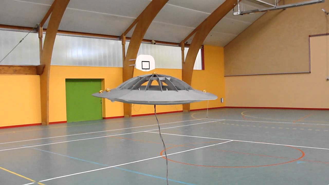 ovni / soucoupe volante / ufo