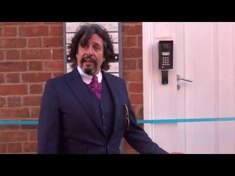 Laurence Llewelyn-Bowen in Hoole