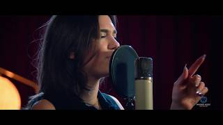 Dua Lipa - Thinking 'Bout You (NZ Live Acoustic Session)