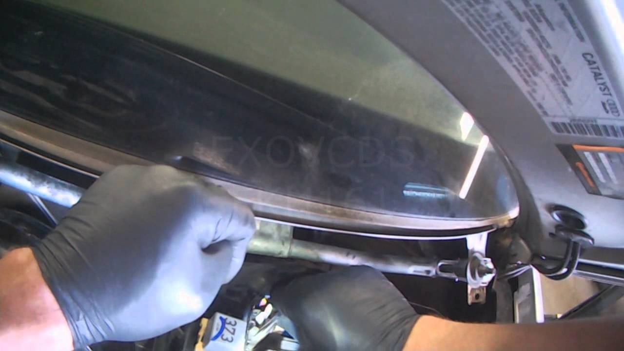 audi b5 a4 wiper motor assembly installation youtube rh youtube com Audi A4 Turbo 2012 Audi A4