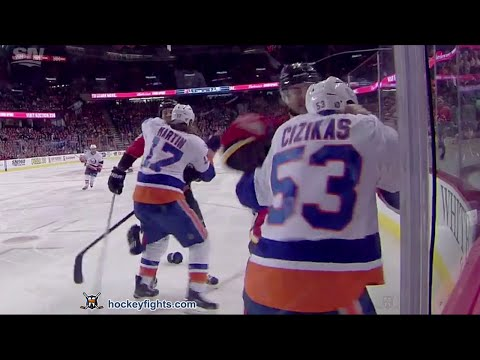 Casey Cizikas vs Lance Bouma Feb 25, 2016