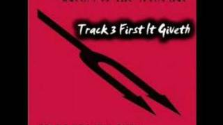 Queens Of The Stone Age - First It Giveth
