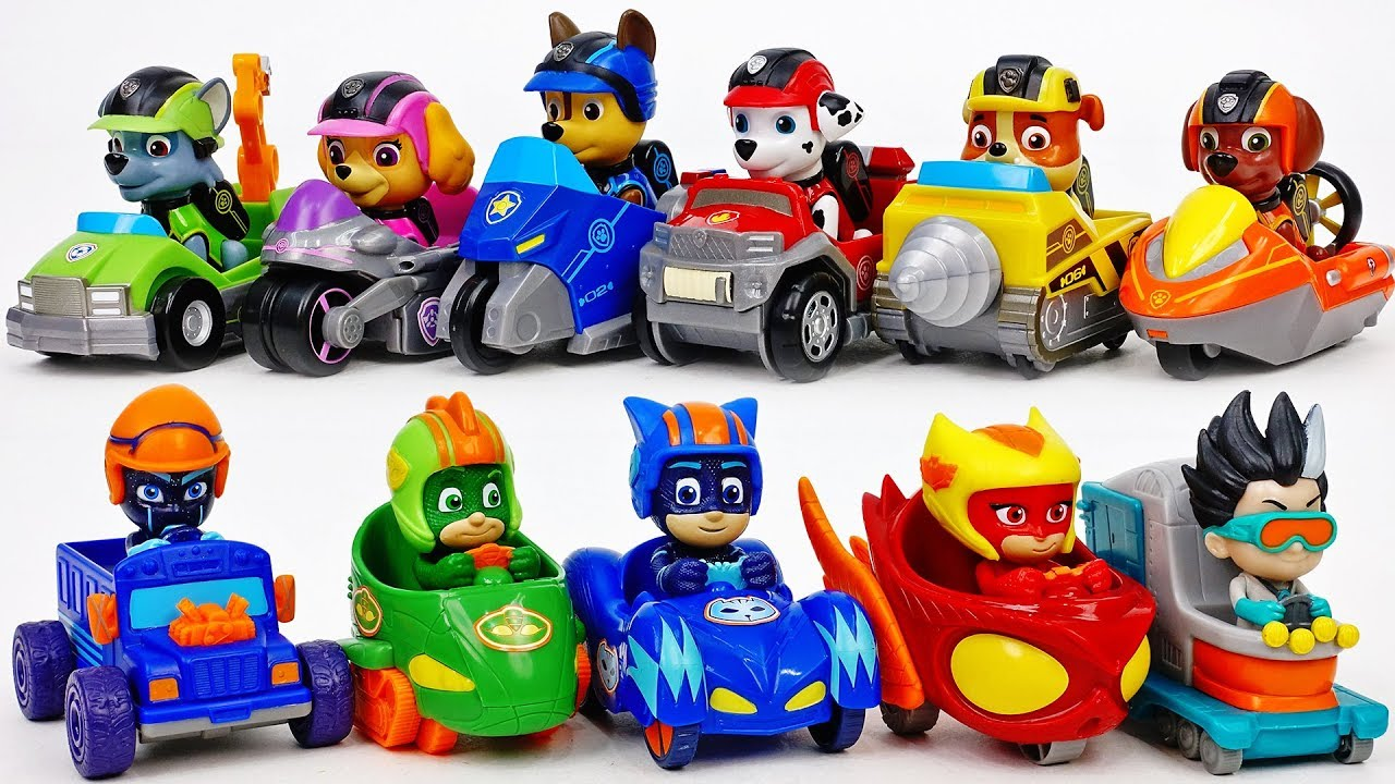 The Race Betwwen PJ Masks & Paw Patrol~!  - ToyMart TV