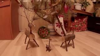 Самодельные олень и жирафы из дерева под новогодней ёлкой   уникальные поделки из ветвей вишни