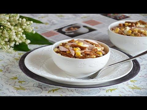 Салат с кукурузой яйцом и колбасой