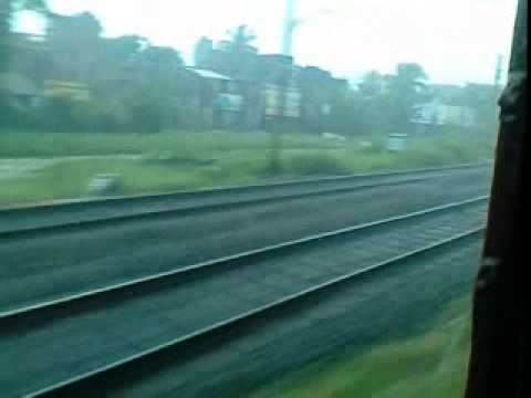 Onboard Teesta Torsa Express: Blasting trough Sodpur while its Raining Cats and Dogs!