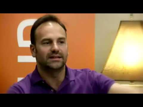 Ubuntu Founder Mark Shuttleworth Talks about Ubuntu 12+14