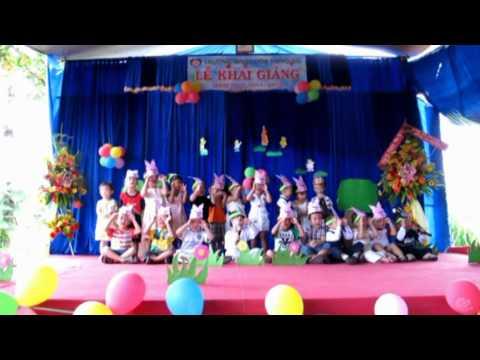 Lớp Chồi hát bài Chú Thỏ Con