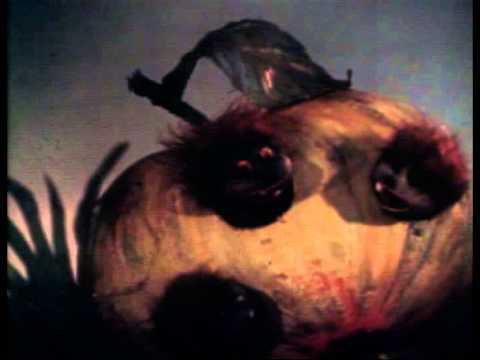 Мультфильм с песней мы червячки мы очень любим яблочки