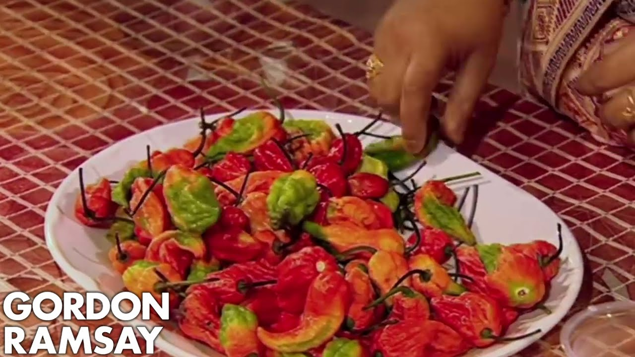 Ramsay Goes To A Chilli Eating Contest Gordon S Great Escape Youtube