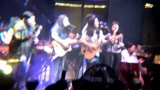 Bibingka - Ben & Ben Live Performance at BGC