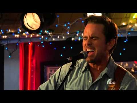Nashville 3x01:I know how to love you now (Deacon Claybourne)
