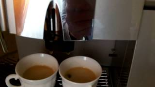 Кофемашина Saeco Royal Professional - coffeemag.com.ua видеообзор(http://coffeemag.com.ua/element/5912/34/ Кофемашина Saeco Royal Professional многофункциональный аппарат, уже давно зарекомендовавший..., 2013-10-08T13:42:23.000Z)