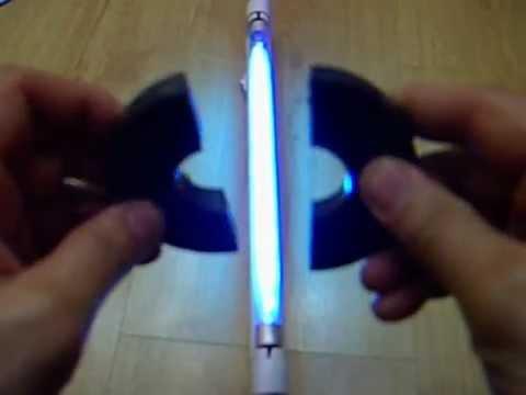 Заполить лампочку с помощью магнита