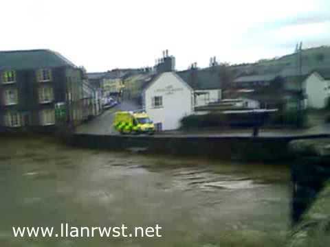 Floods at Llanrwst 18 Nov 2009