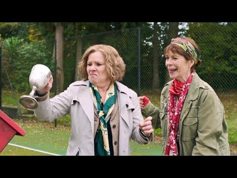 Finding Your Feet new clip: Trophies (6/6)