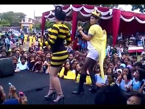 Juwita Bahar - Goyang Senggol [HOT MINI DRESSES - LIVE PERFORMANCE] [Sexy From Behind] [HD]