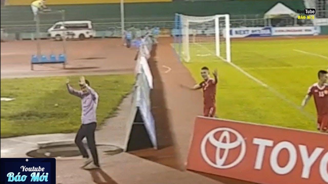 Công Vinh và CLB TPHCM tri ân khán giả sau mỗi trận bóng - Tin Tức Mới