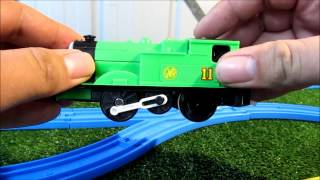 TOMY Oliver Japanese unboxing review and first run