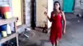 رقص بنت في اليمن في البيت  شترك بي القنه