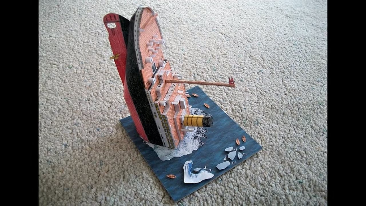 Papercraft Paper Model of the RMS Titanic Sinking