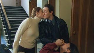 Саша Белый ломает нос музыканту - Бригада 2002