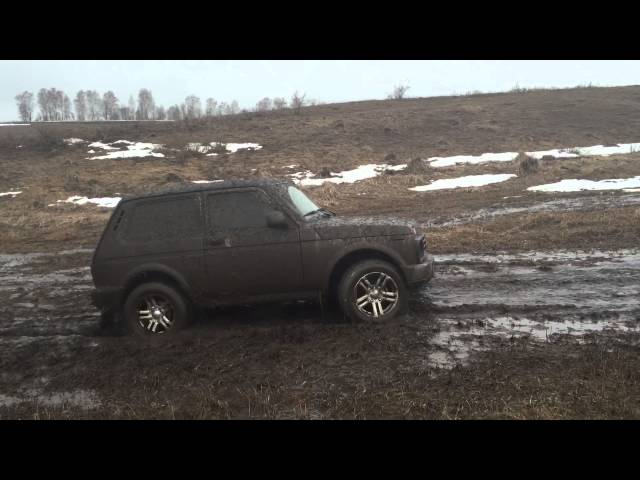 Тест Нива Урбан в грязи