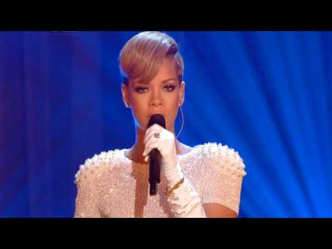 Rihanna Stay & Right Now Greatest Live...