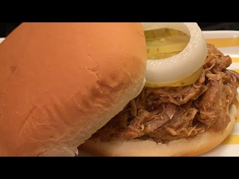 HOW TO COOK PULLED PORK IN A CROCKPOT