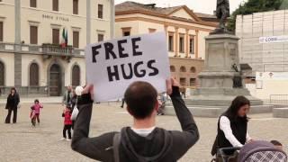 Free Hugs in Sondrio, Italy thumbnail