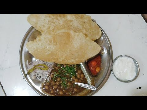 Iconic Chole Bhature at Manjeet Puri Chole In Mumbai | Curly Tales