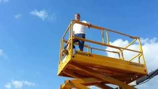 видео Дизельный ножничный подъемник Haulotte H12SXL