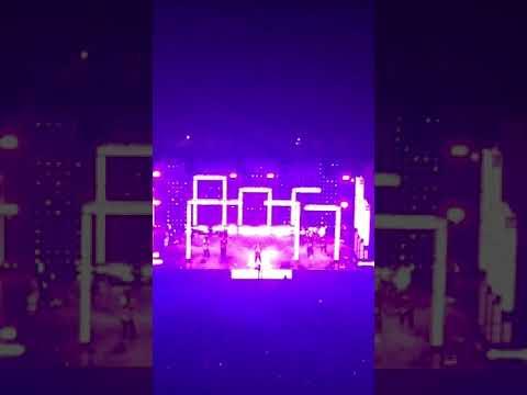 """Bruno Mars """"Versace On The Floor"""" 24k Concert Prudential Center, NJ 9/26/2017"""