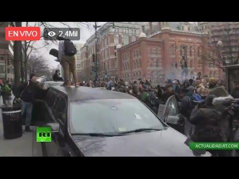 Lanzan gas lacrimógeno a manifestantes contra Trump en Washington D.C.